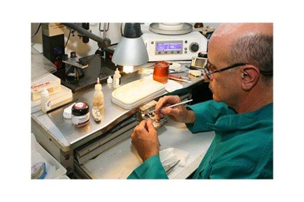 riparazione protesi