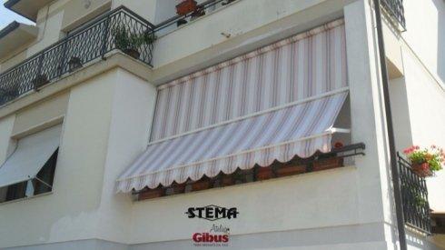 Tende da sole per esterni prato stema for Tende a righe verticali