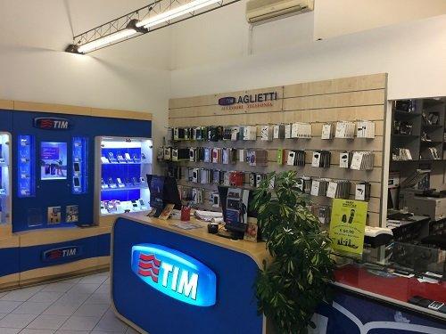 interno del negozio TIM Aglietti