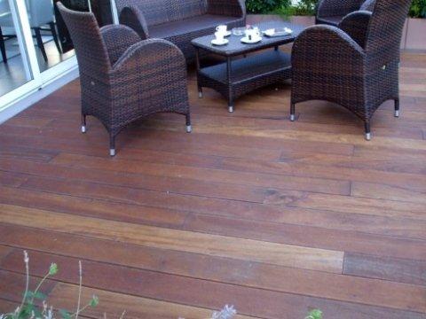 pavimento in legno per terrazzo