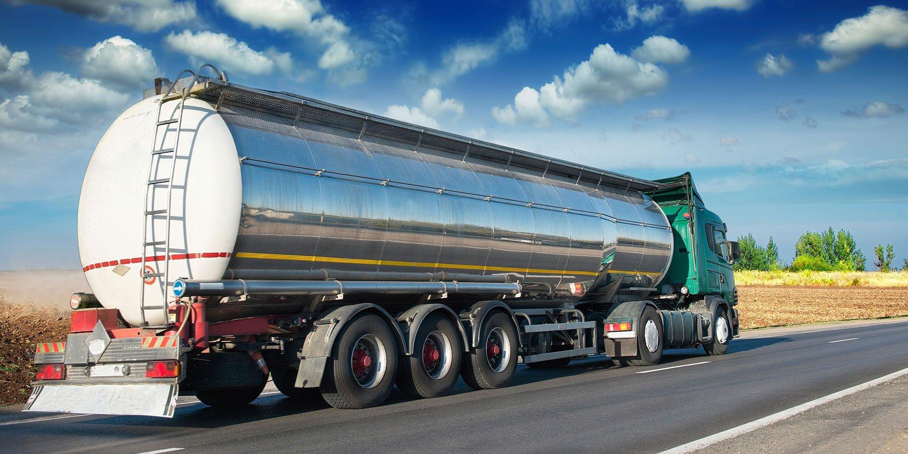 Camion per il trasporto di fluidi su strada
