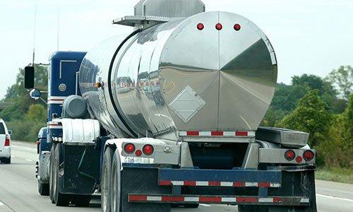 Camion per il trasporto di fluidi