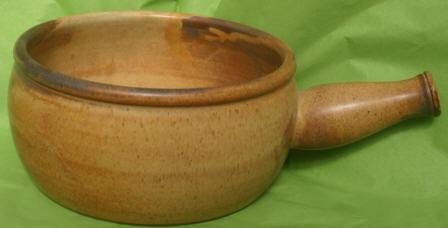 Large Round VBaking Dish with Handle