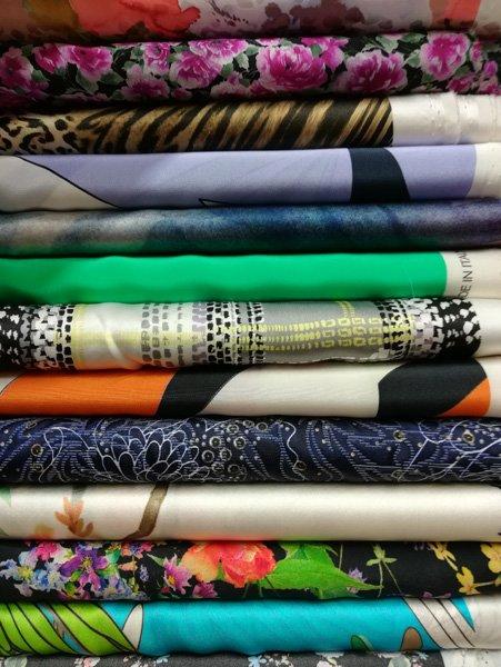 Creazioni di abbigliamento milano mi tessuti lagosta sas for Outlet tessuti arredamento milano