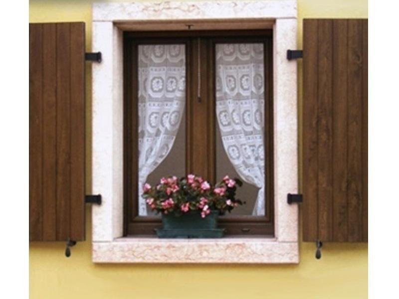 finestre con persiane in legno brescia