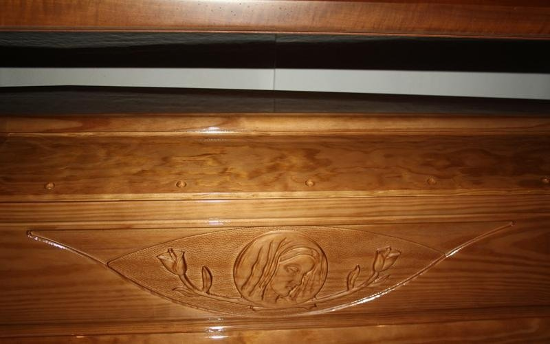 cofano in legno intarsiato cascina