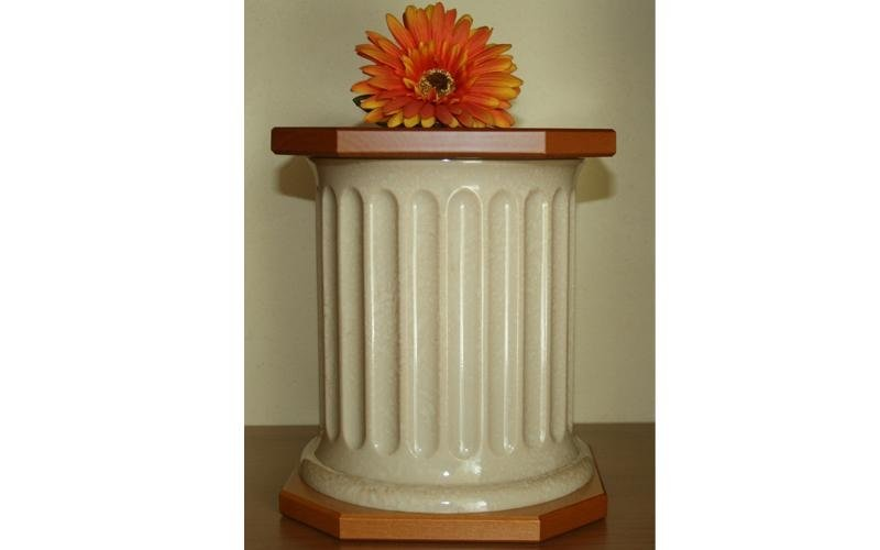 urna in ceramica e legno pisa