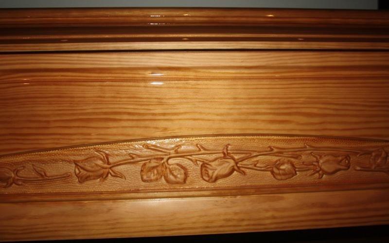 intarsio cofano legno cascina