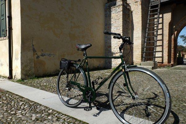 Biciclette nera artigianali su misura