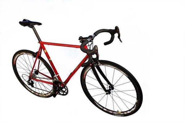 Bicicletta artigianale da corsa su misura