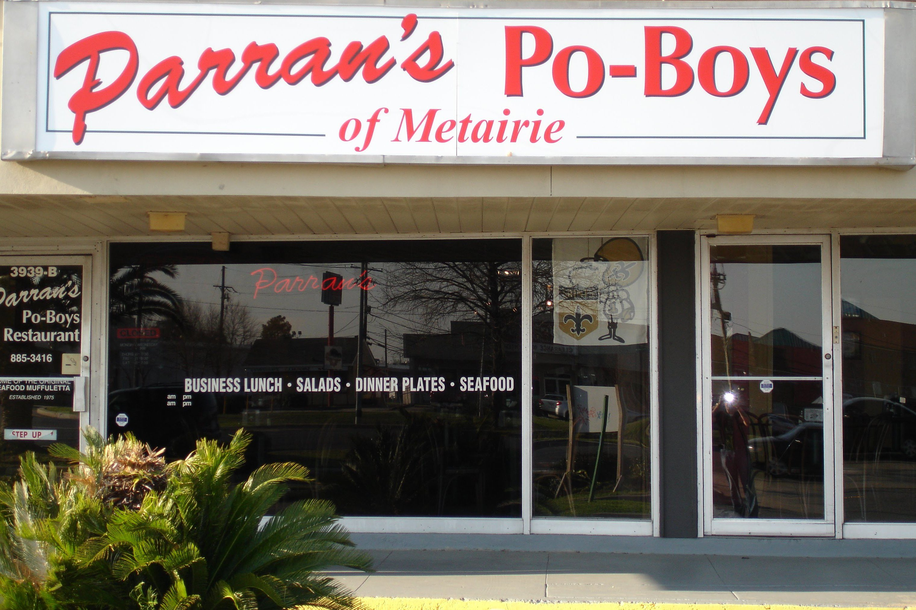 https://itunes.apple.com/us/app/parrans-po-boys-restaurant/id775350195?mt=8