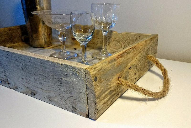 pallet tray, pallet wood tray, upcycled wooden tray, handmade pallet tray, pallet tray with rope handles, pallet tray with leather handles, rustic pallet tray