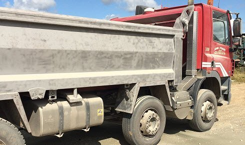 Lorry after sand blasting (picture)