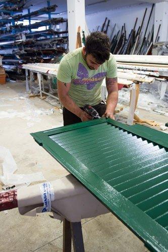 fabbro sistema una persiana verde
