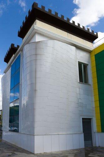 edificio forma astratta