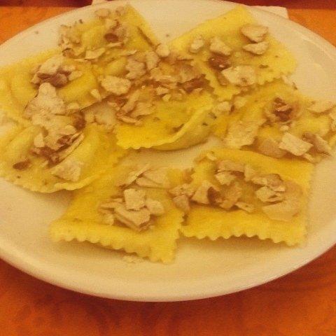 Ravioli al Tartufo - Ristorante La Mensa del Conte Pienza