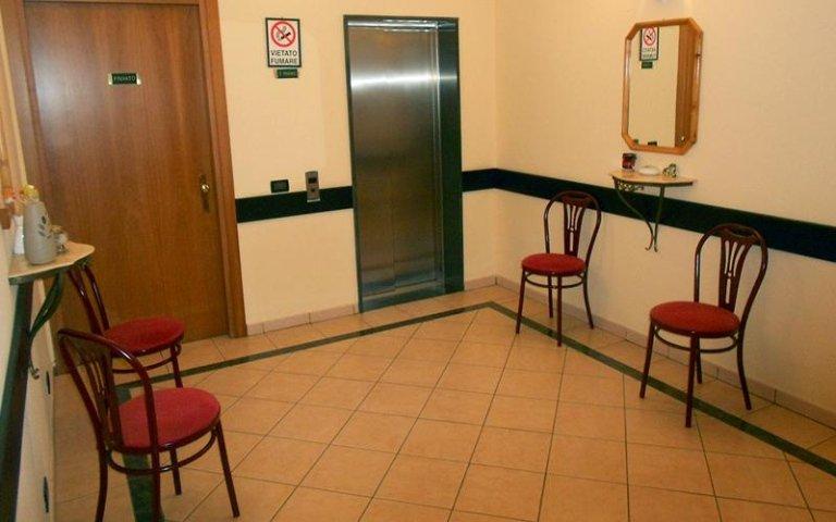 albergo con ascensore