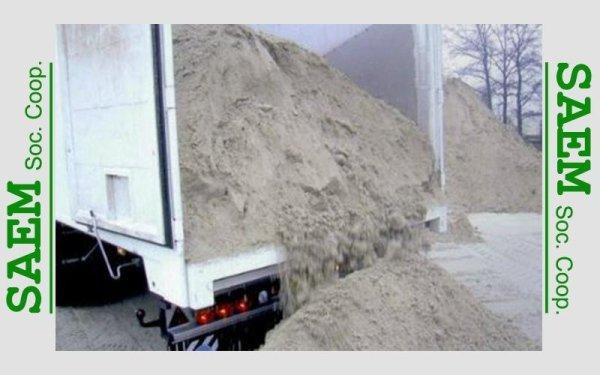 della sabbia in un rimorchio
