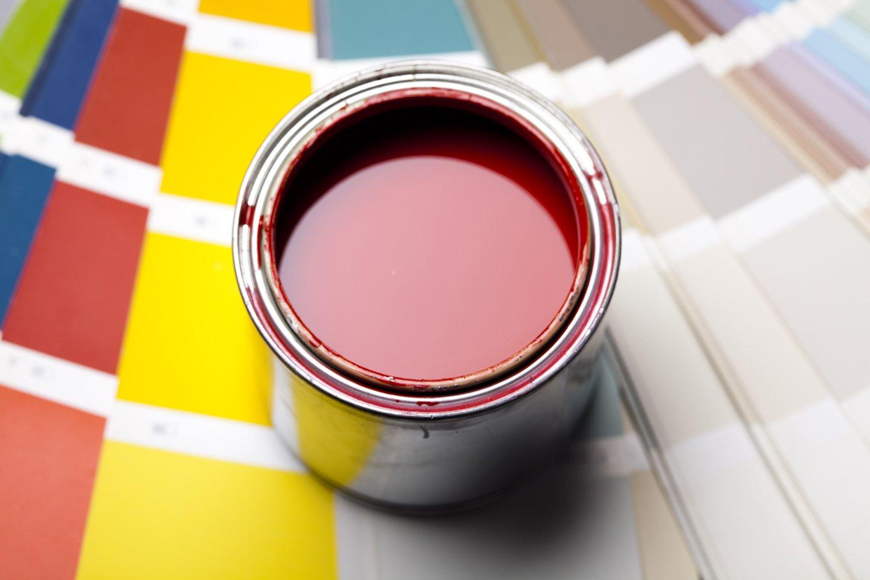 latta di pittura colore rosso