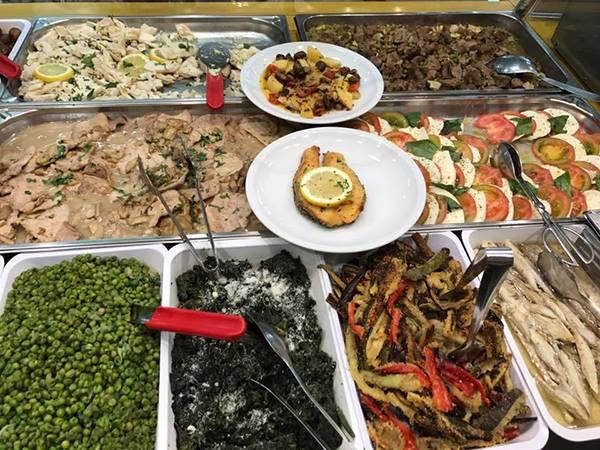 piselli e altri piatti pronti