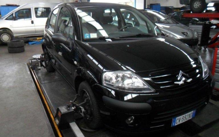 controllo assetto auto