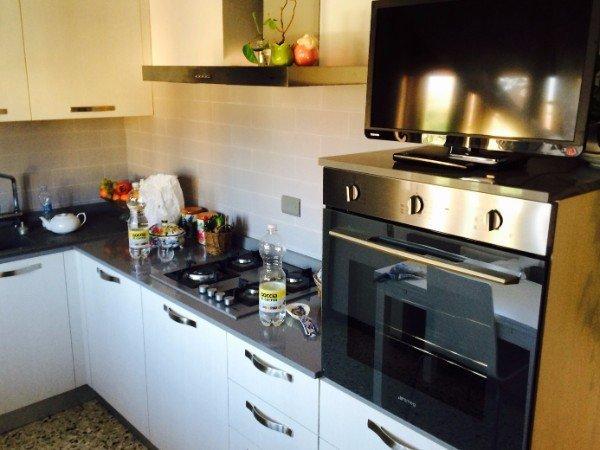 cucina moderna e accessoriata