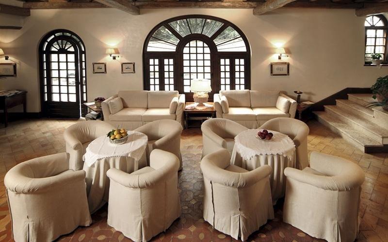 copri divano hotel