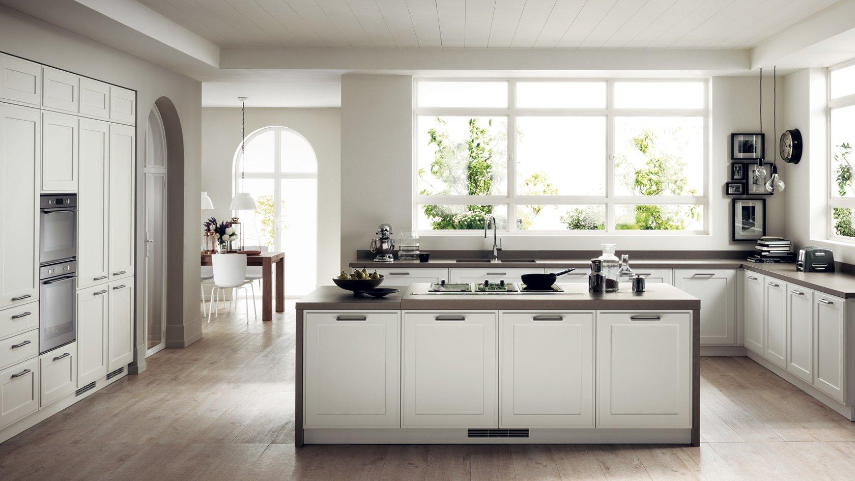 cucina scavolini chiara con isola