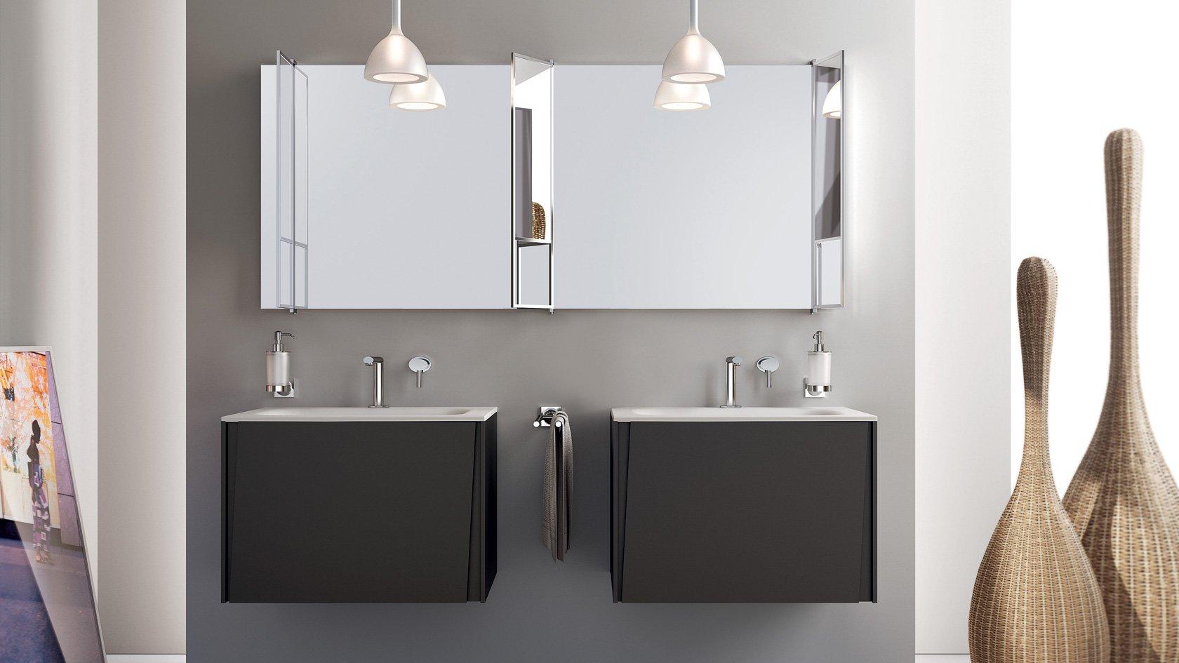 lavabi quadrati in un bagno