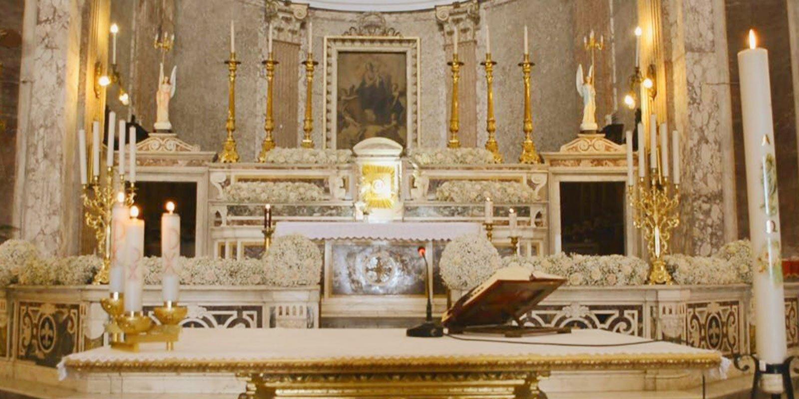 Creiamo le migliori composi floreali di Napoli, addobbi per eventi e cerimonie: comunioni, battesimi, matrimoni e tanto altro
