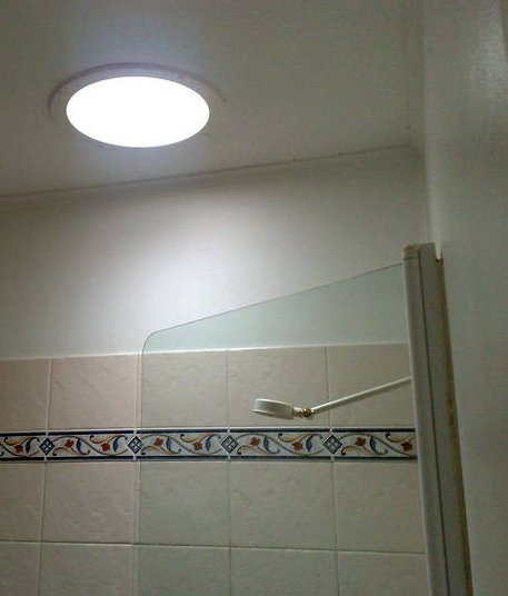 skylight-in-bathroom