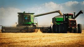 aggiornamento e innovazione, agricoltura, mietitrebbia