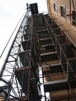 Allestimento ponteggi per lavori edili