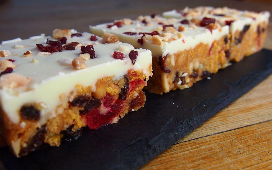 Cakes Tray Bakes Amp Arizona Teas Delivered In Berkshire