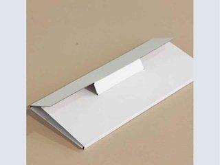 contenitore bianco per documenti