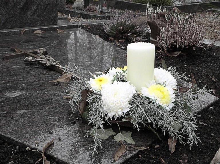corone di fiori per cimitero