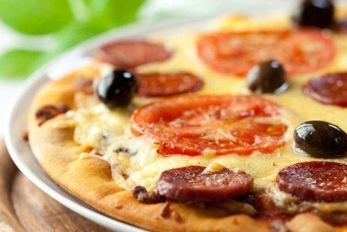 Presso la nostra pizzeria oltre alle solite pizze potrai ordinare anche pizze particolari, come quella alla zucca o quella al porro e mascarpone.