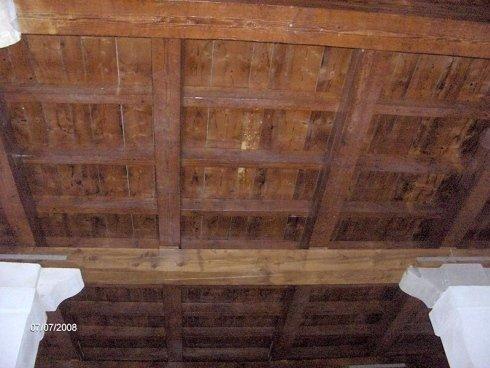 Trattamento su legno con vernici intumescenti trasparenti