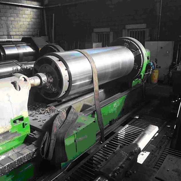 macchinario per la forgiatura di leghe metalliche