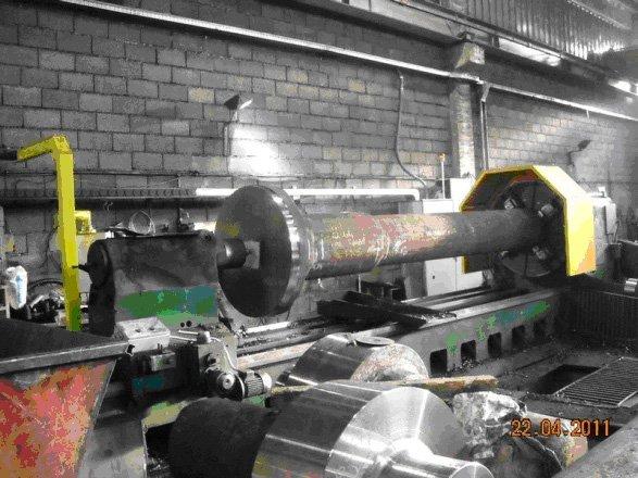 macchinario per la forgiatura di acciaio