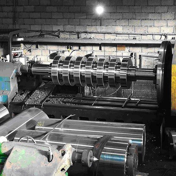 macchinario per la manipolazione del metallo