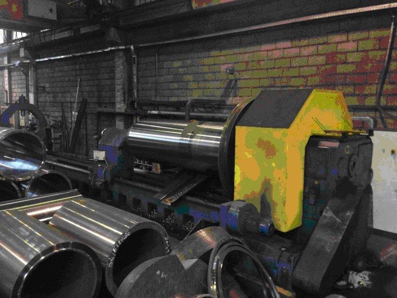 macchinario per la fabbricazione di componenti metallici