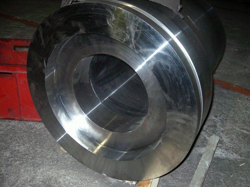 componente metallica dopo fase di lavorazione