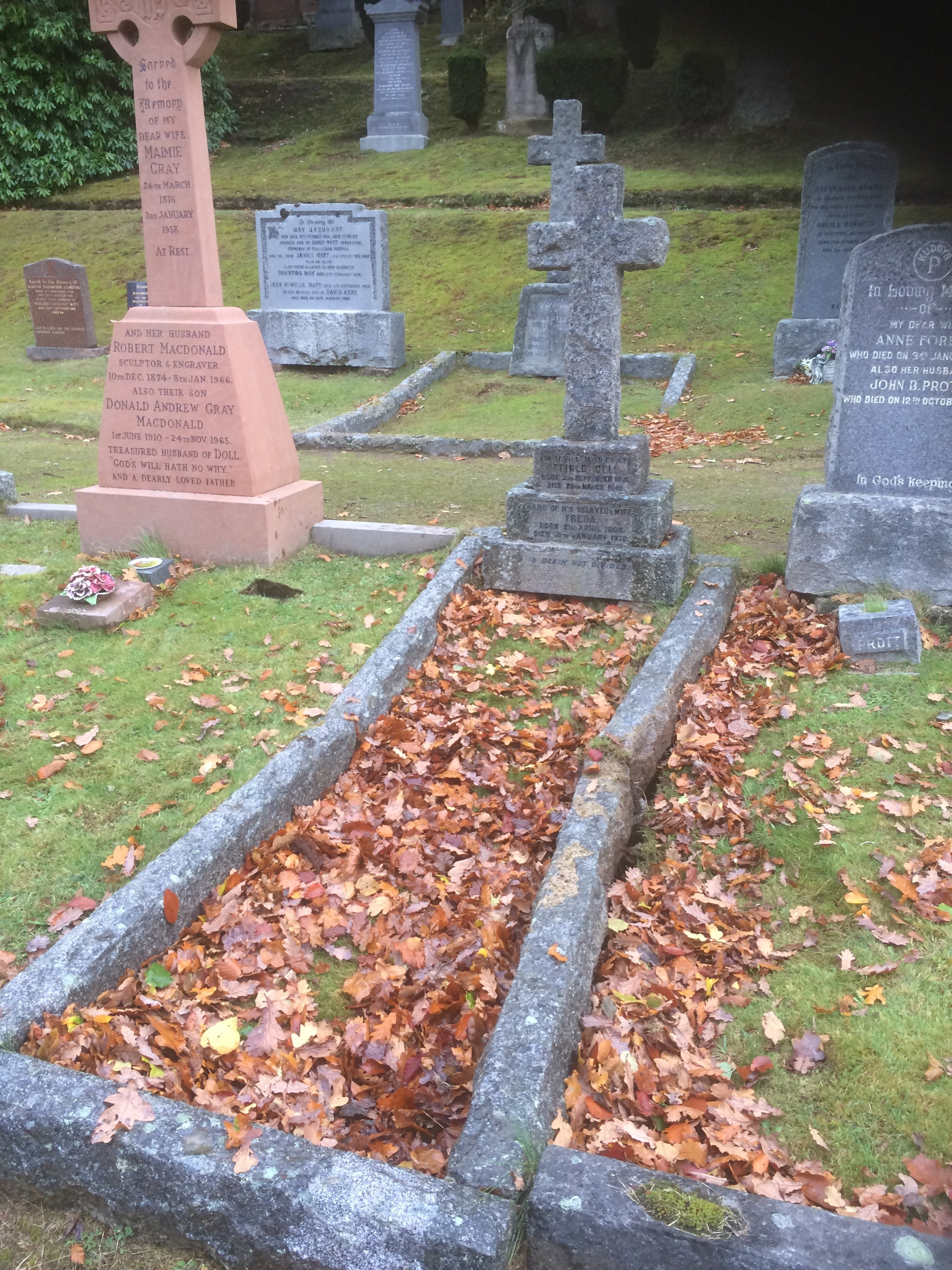 grave and headstone before restoration