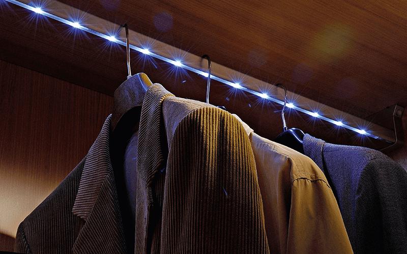Paolo porta abiti led