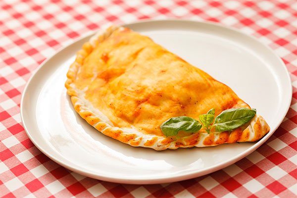 Calzone pizza in piastra