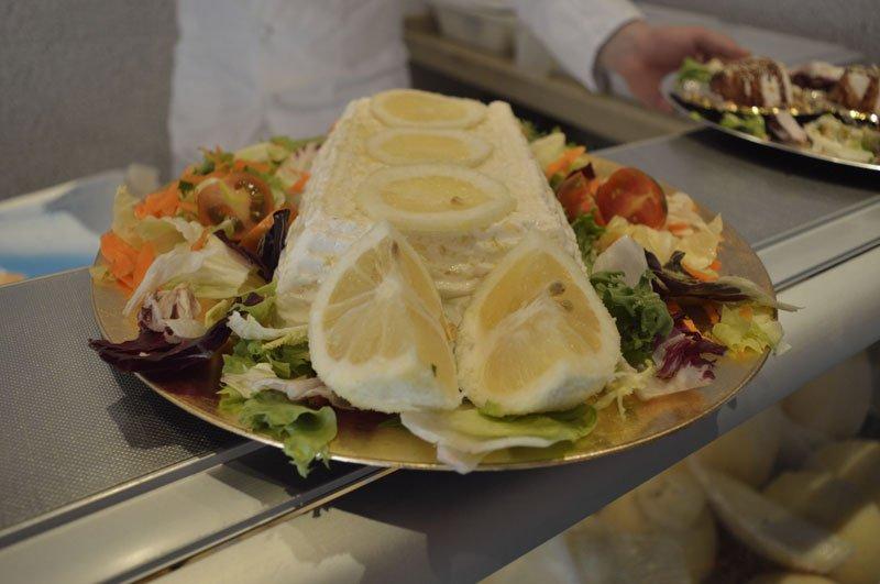 insalata con ricotta al centro