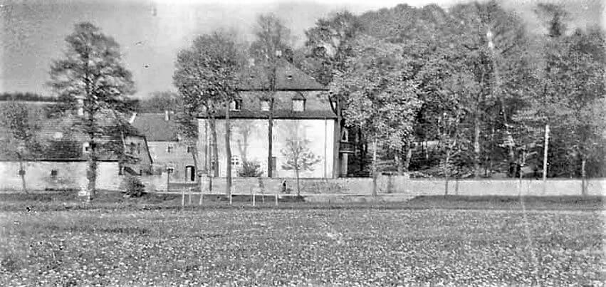 Rittergut Adlershof zu Oberlauterbach - Blick in Gutshof © unbekannt