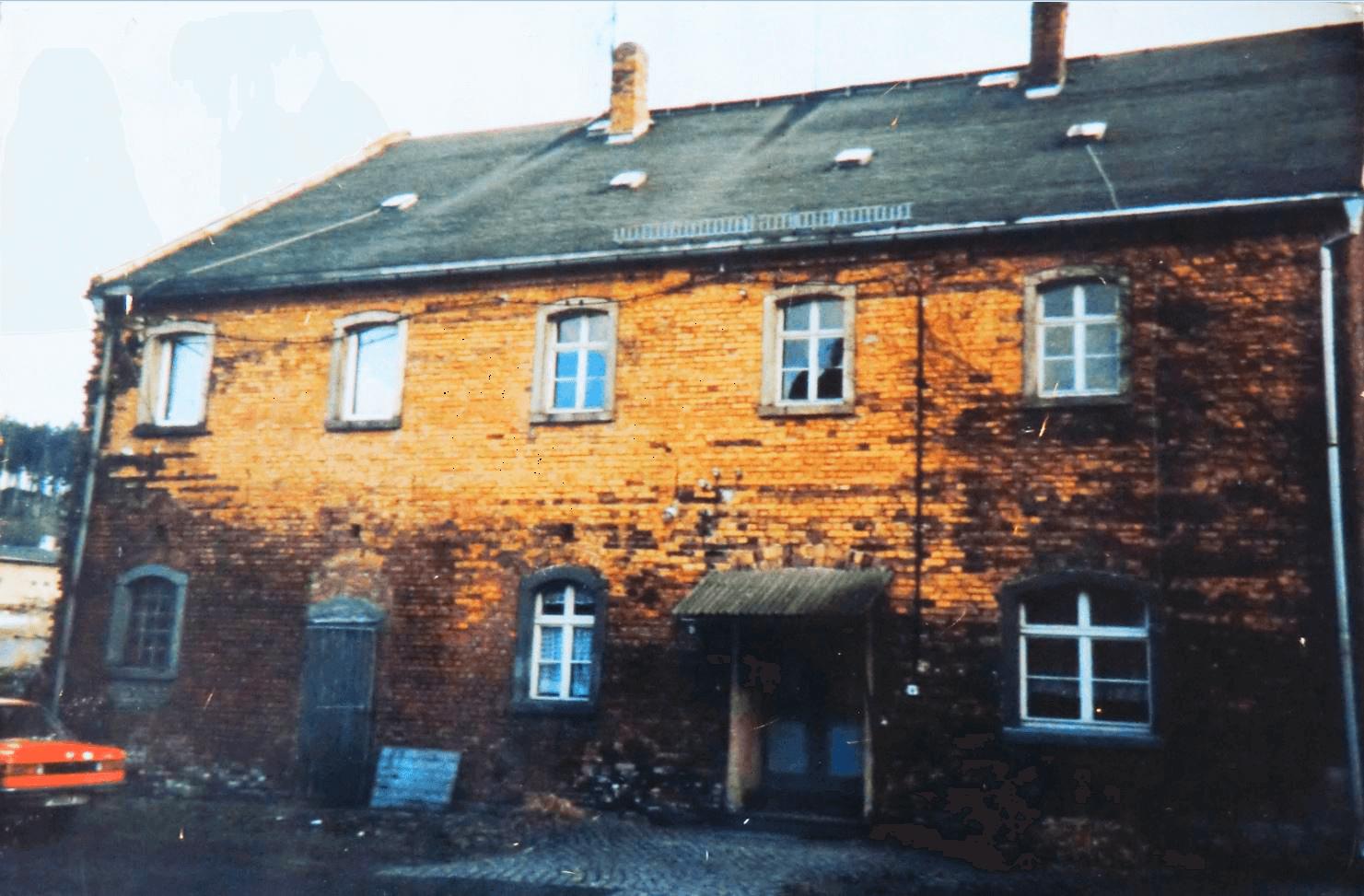Rittergut Adlershof zu Oberlauterbach - Front vor Erstsanierung 1991 © Sven Reiher