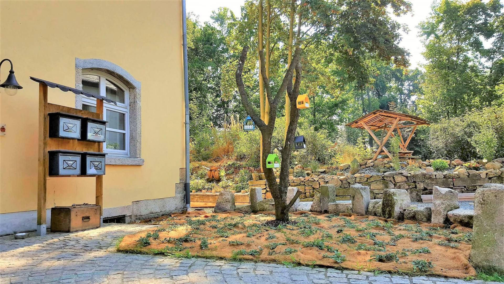 Rittergut Adlershof zu Oberlauterbach - Neugestaltung Vorplatz © Jens Reiher